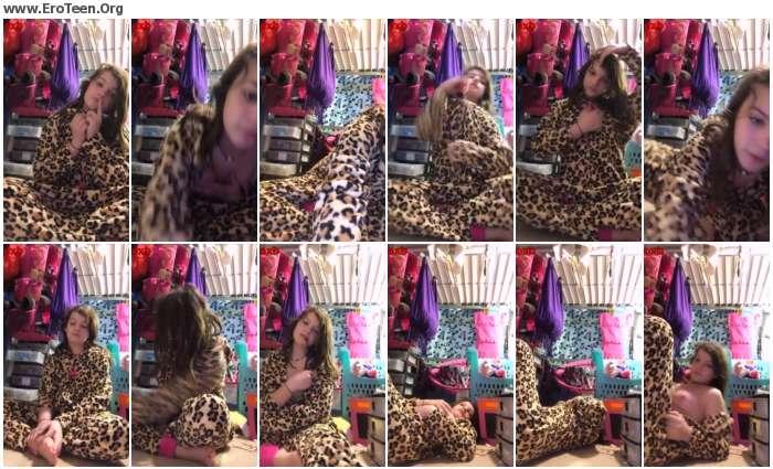 84e23d1020283414 - Pretty Skinny Cute Teens Home Sex Selfie Video 21