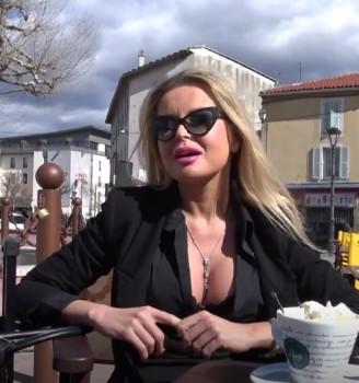 Joanna - Joanna, 30ans, hotesse de lair (2018) 720p