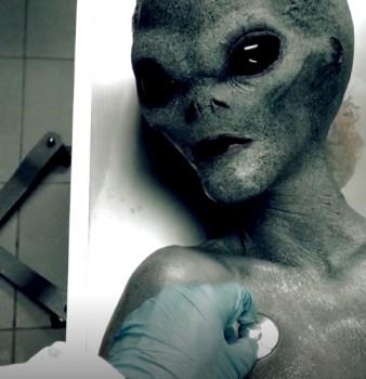 Amateurs - Roswell ufo (2018) 1080p