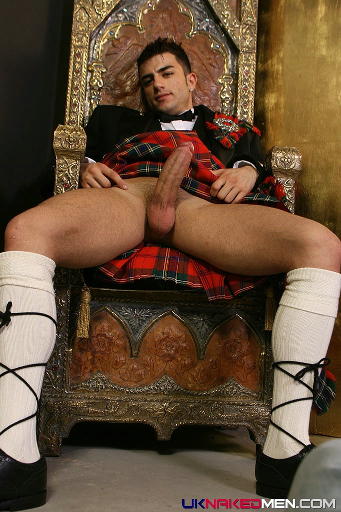 Nude Men In Kilts Pictures To Download