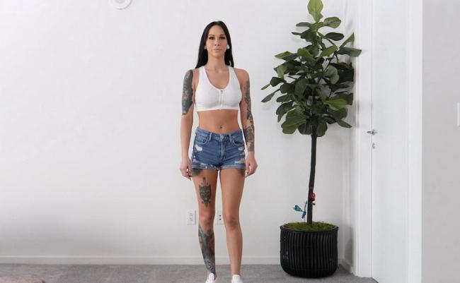 Castingcouch-hd.com: Tattooed Tall Girl With Big Ass Fucks BBC Starring: Sabrina