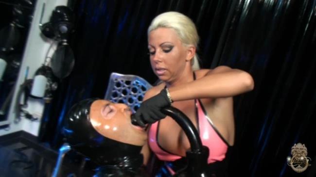 Kate video domina Katy Perry