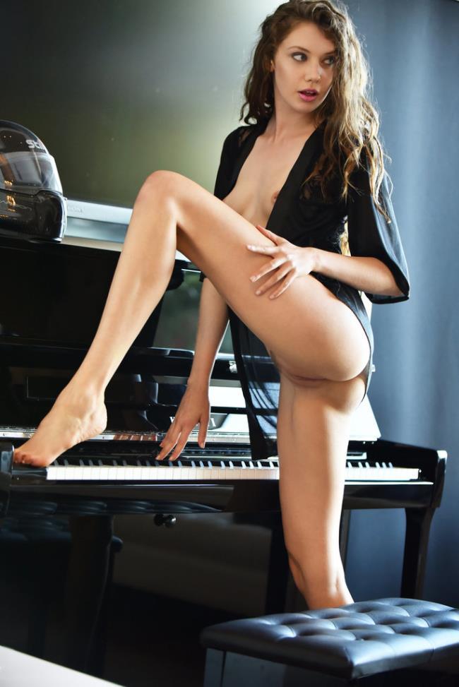 Elena Koshka - Piano Concerto (2020 X-Art) [FullHD   1088p  790.16 Mb]