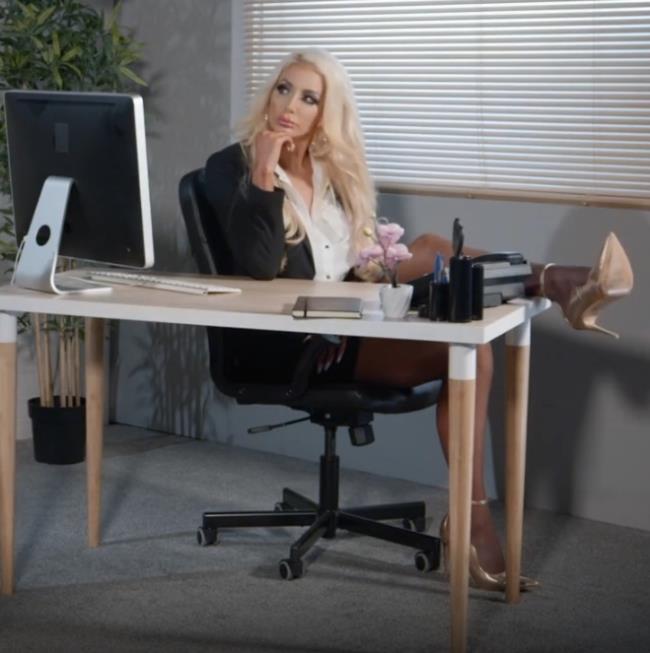 Nicolette Sheas - SNEAK PEEK of Nicolette Sheas FIRST ANAL (2021 Brazzers) [FullHD   1080p  654.83 Mb]
