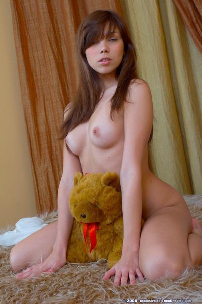 https://images2.imagebam.com/13/b7/cc/e1acc91370720348.jpg