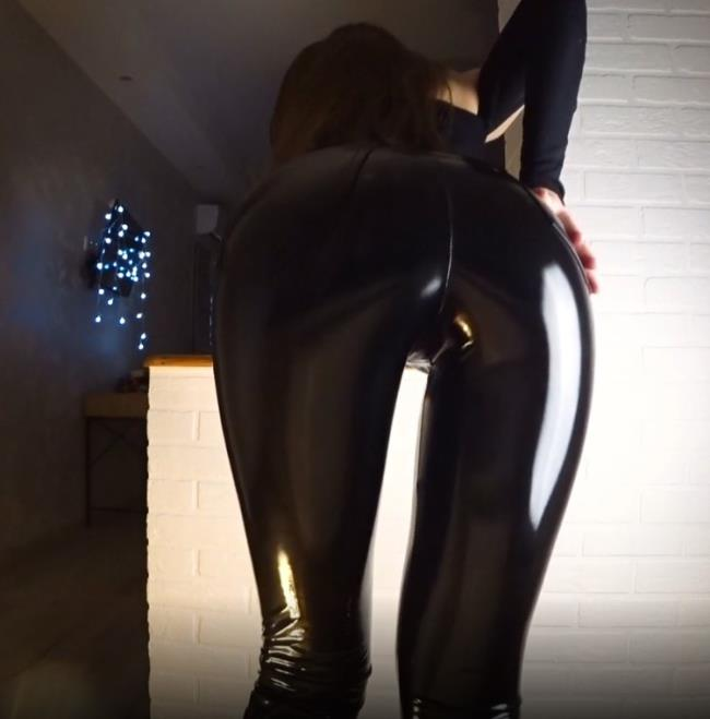 HornyKira: Latex Girl Fucked in Favorite Pose ?cum in Mouth Starring: Horny Kira