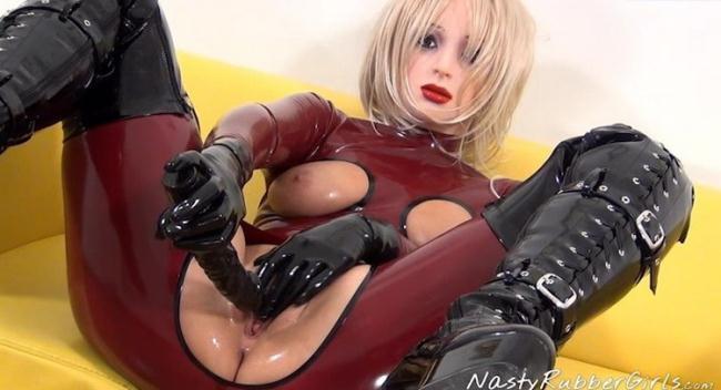 Unknown - video 0138 (2021 NastyRubberGirls) [SD   576p  452.57 Mb]