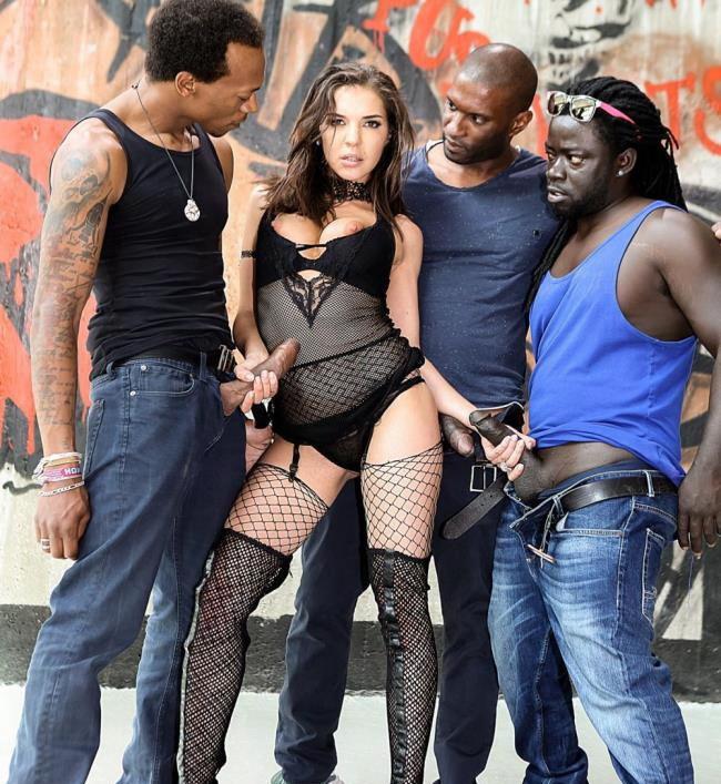 Henessy - Henessys Big Black Cock Gangbang (2020 RoccoSiffredi.com) [HD   720p  807.24 Mb]