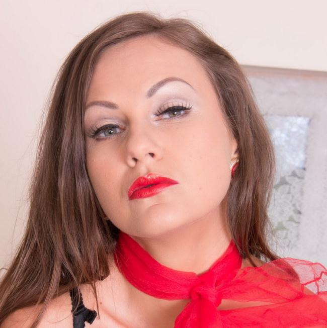 VintageFlash.com: Wank for your boss! Starring: Tina Kay