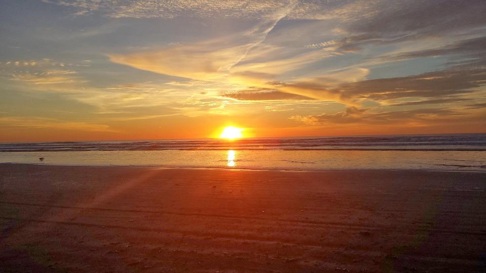 14-33-56-sunset-920040_960_720.jpg