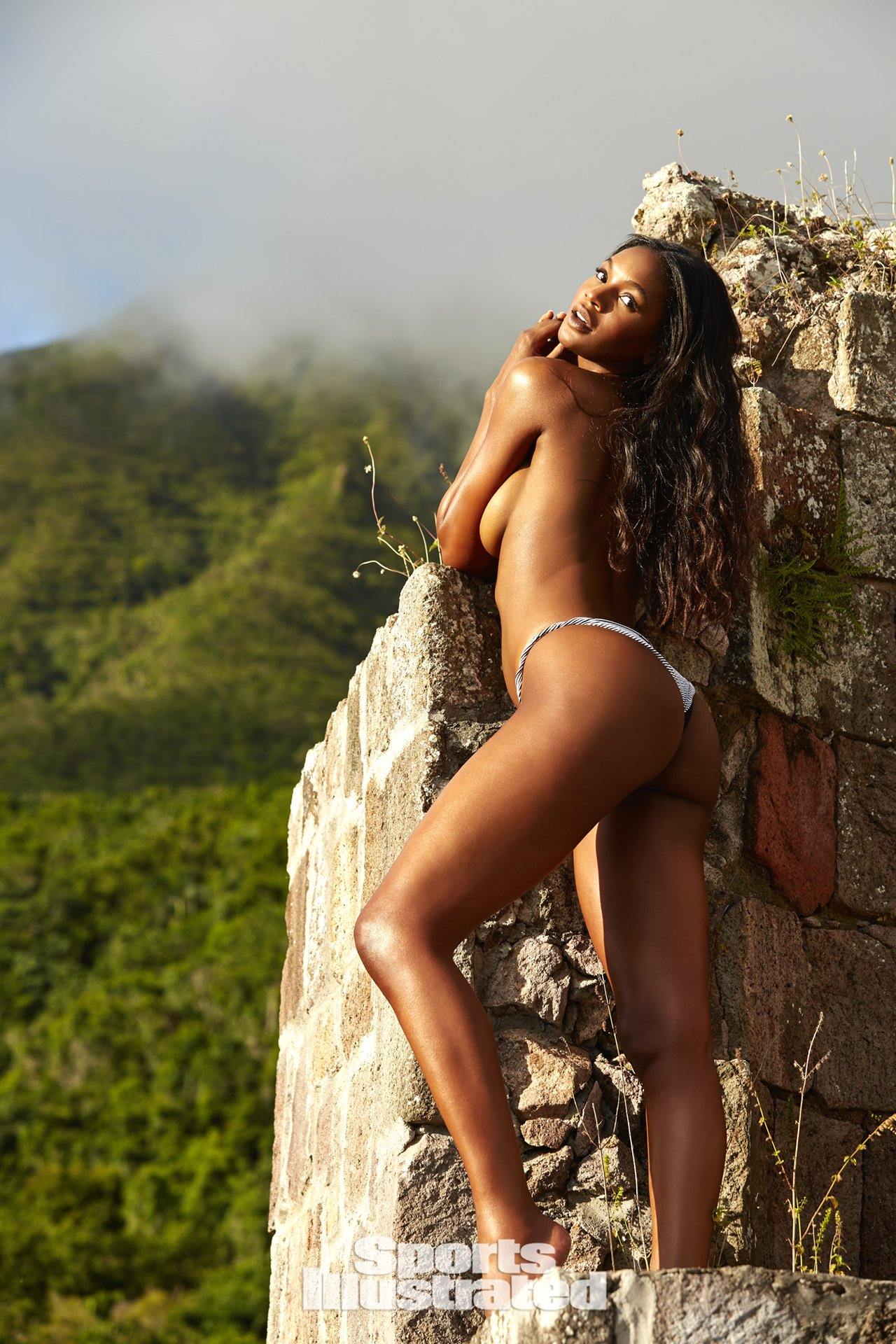 Sports Illustrated Swimsuit Issue 2018 (27).jpg