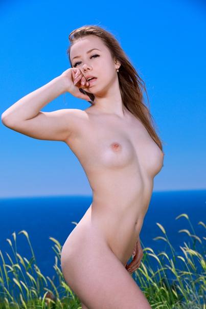 https://images2.imagebam.com/55/1b/f8/e6c9171366861632.jpg