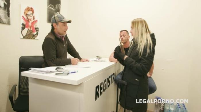 LegalPorno.com: Brohstel Kira Thorn turns wild with Balls Deep Anal Gapes DAP 5 swallows GIO883 Starring: Kira Thorn