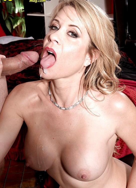 Desiree Dalton - Video Cuckold (2021 40SomethingMag.com  ScoreGroup.com) [FullHD   1080p  1.51 Gb]
