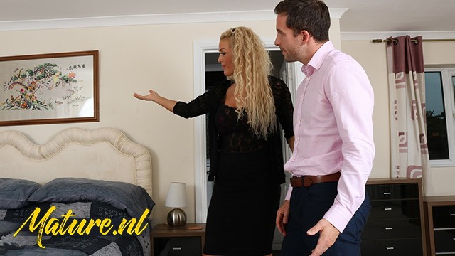 Rebecca Jane Smyth - British Real Estate Agent Likes To Get Paid With Sex (2021 MilfCurves) [FullHD   1080p  182.07 Mb]