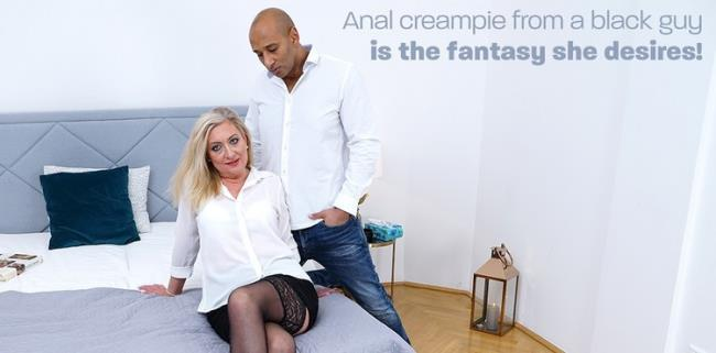 Mature.nl: Blonde mature lady loves to gets fucked by a black guy Starring: Elizabeth (48)