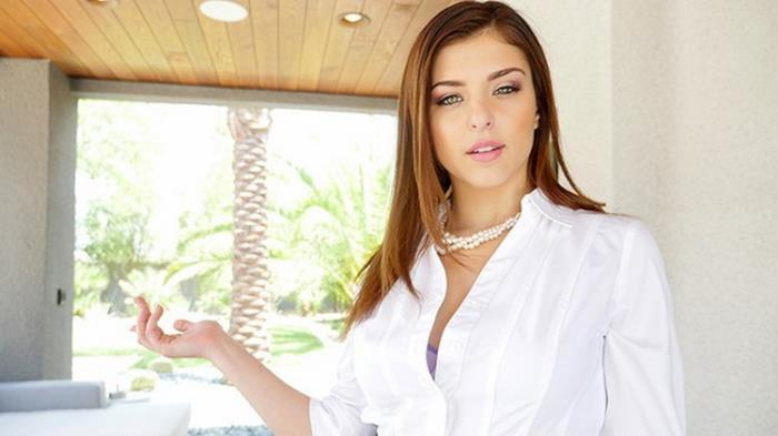 Lubed: Insanely Hot Real Estate Agent Leah Gotti willing to do anything for a Deal Starring: Leah Gotti
