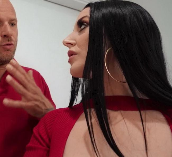 Angela White - The Dryer Won't Get Me Off! (2021 BrazzersExxtra.com Brazzers.com) [FullHD   1080p  816.39 Mb]