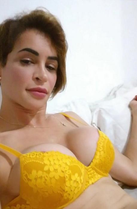 OnlyFans: Thursdays full scene Today I m posting my full scene Starring: Carla Brasil