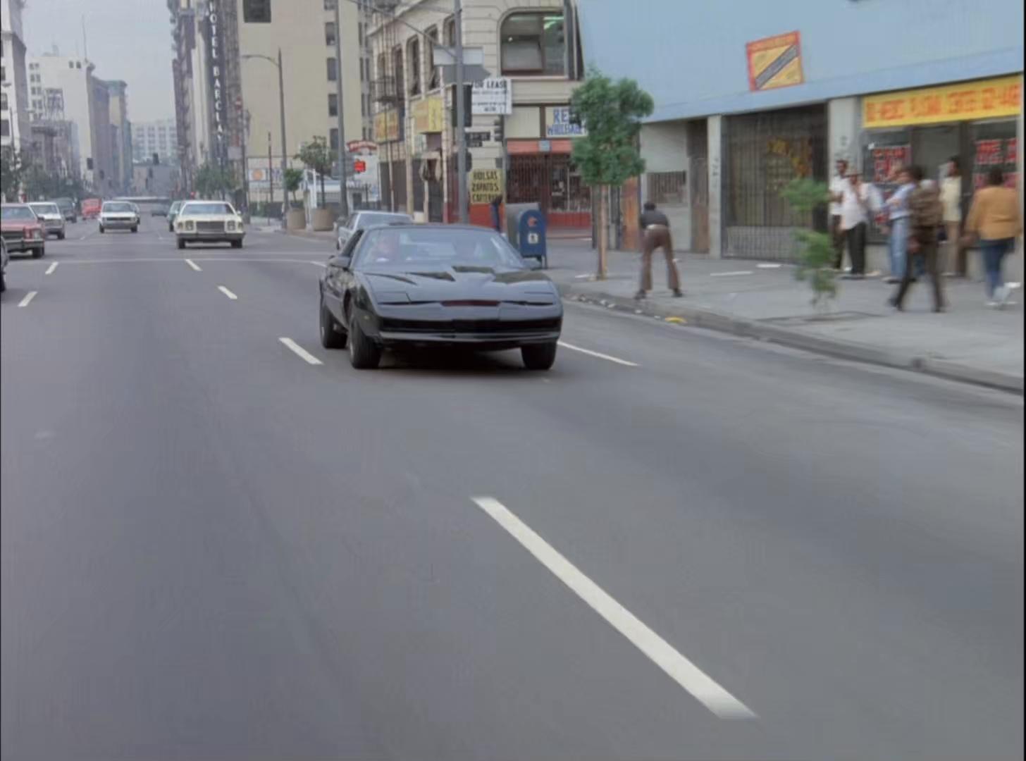 Knight.Rider.S01E06.BluRay.1080p.AC3.H265-d3g.mkv_snapshot_43.33.611.jpg