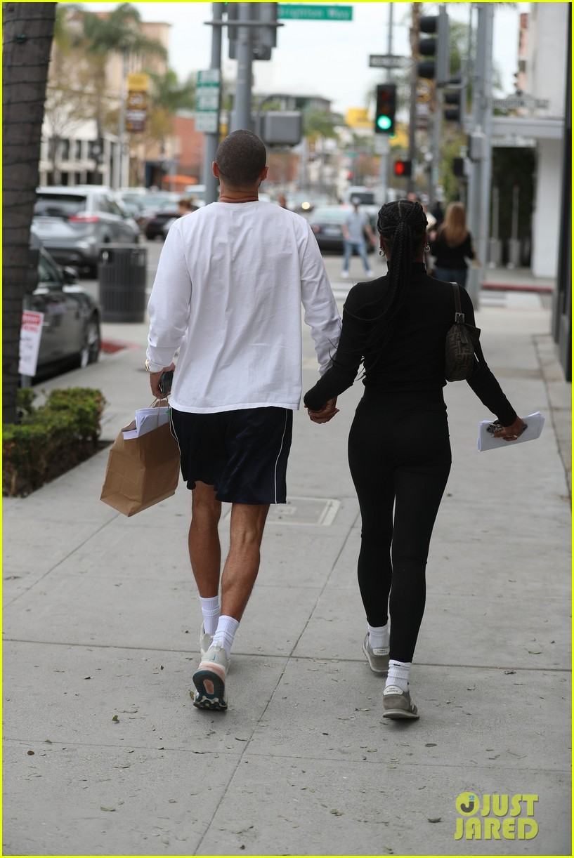 jesse-williams-girlfriend-taylour-paige-smitten-spending-day-together-02.jpg