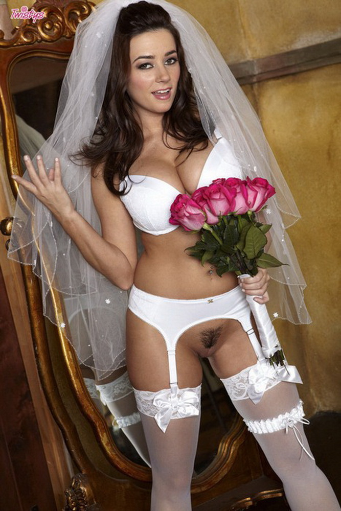 Taylor Vixen - Taylor Vixen - The Bride (2021 Twistys.com) [HD   720p  632.81 Mb]
