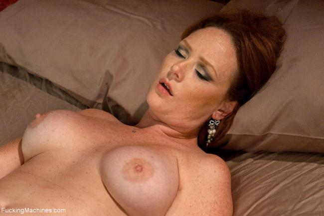 FuckingMachines.com Kink.com: The Ginger Queen, the Machines -Ass Fucking Double Anal Pussy Poundin Starring: Audrey Hollander