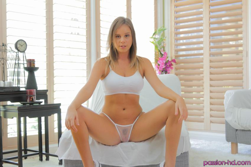Alexis Adams: Perfect Pussy[HD 720p 707.05 Mb]