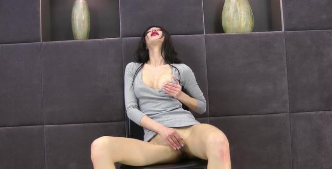 Hotkinkyjo: Hotkinkyjo sefl anal fisting her ruined anus hole and prolapse Starring: HotKinkyJo
