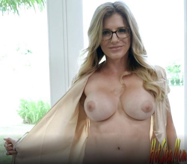 CoryChase: Horny Step Mom uses me for her Website Starring: Cory Chase