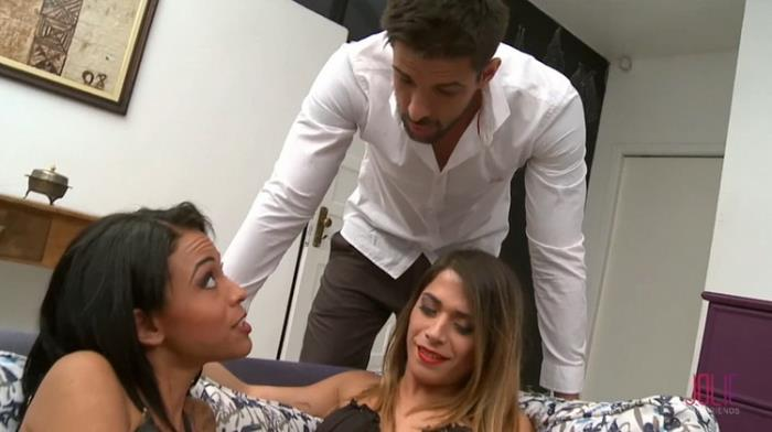 Unknown - Stunning Shemale and Girl in a Threesome with Lucky Guy Fucking and Fucked! (2021 JolieAndFriends) [FullHD   1080p  637.12 Mb]