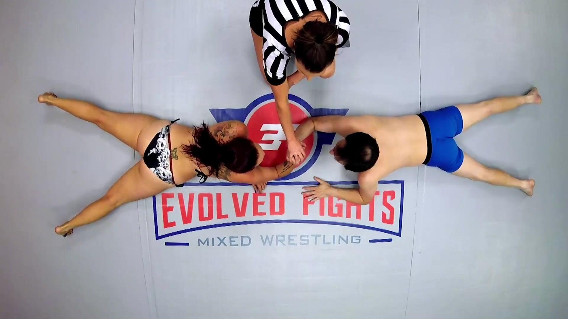 EvolvedFights 20 09 17 Bella Rossi Vs Marcelo Arm Wrestling XXX 1080p MP4-FETiSH