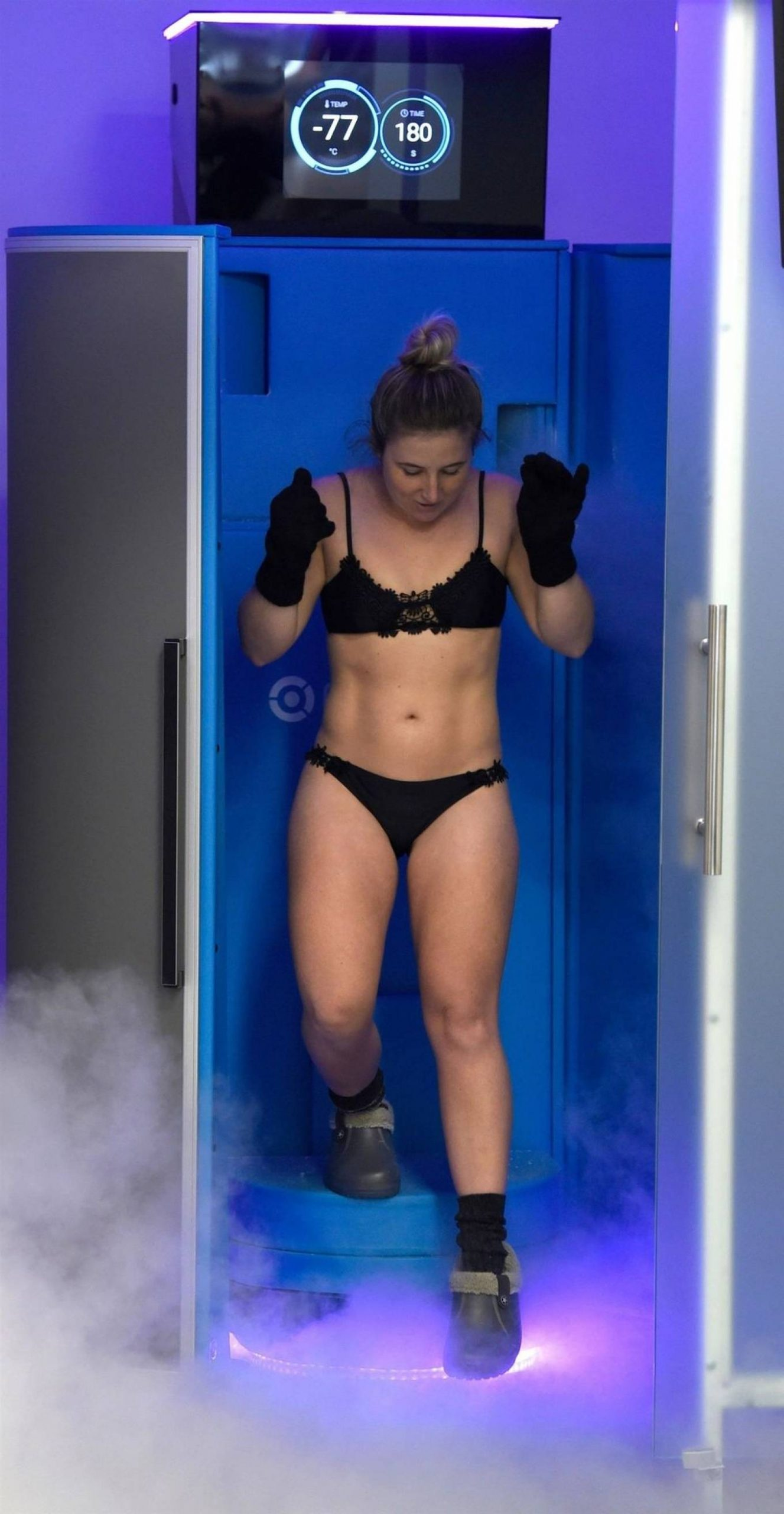 Jazmine-Franks---Pictured-at-the-Cryo-Lab-in-Manchester-18-scaled.jpg