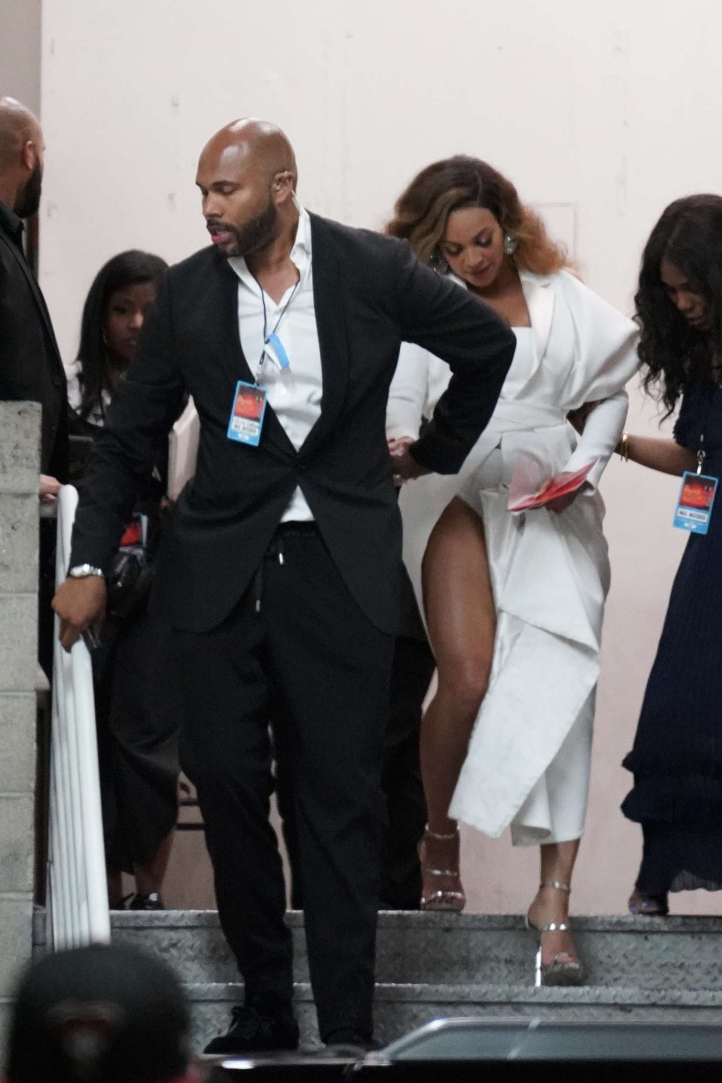 Beyonce_-Arrives-at-50th-Annual-NAACP-Image-Awards--01.jpg