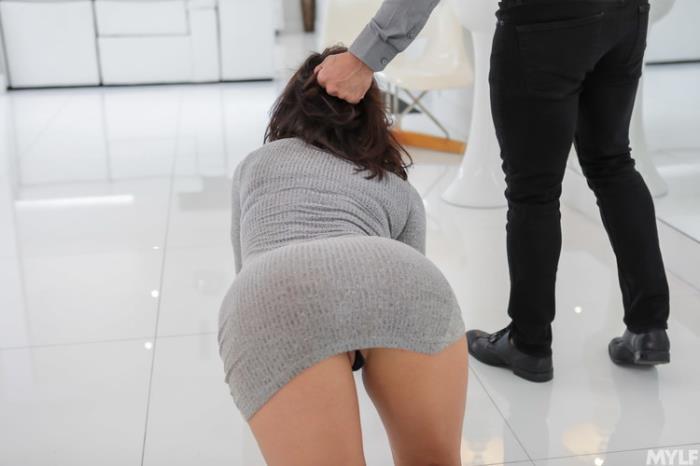 Becky Bandini - Submissive Stress Free Snatch (2021 MYLF.com MylfDom.com) [FullHD   1080p  3.36 Gb]