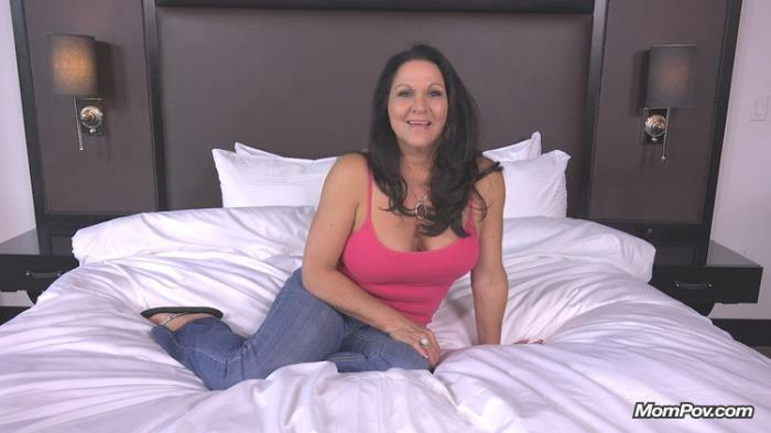 MomPov.com: Curvy cougar GILF swinger does first porn Starring: Lola