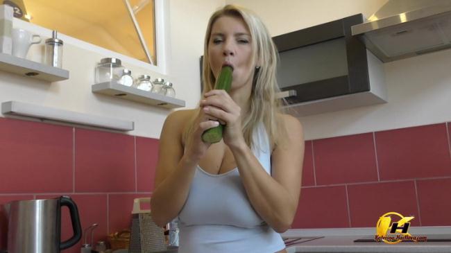 Katerina Hartlova - Milking and Masturbate with Cucumber in Kitchen (2021 Katerina-Hartlova.com) [FullHD   1080p  655.47 Mb]