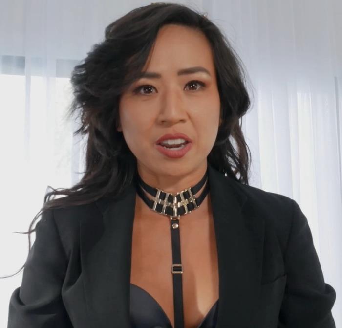 ManyVids.com: Testing China's Secret Spy-Droid N.MARS Starring: Natalie Mars