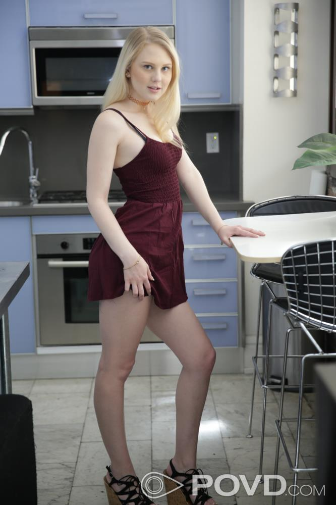 Lily Rader: In The City With Lily[HD 720p 486,3 Mb]