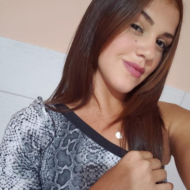 Fotos da bucetuda Mariana Rios nua