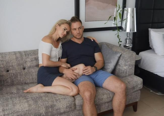 RobbieOZ: Passionate Couple Falls in Love having Sex Starring: Unknown