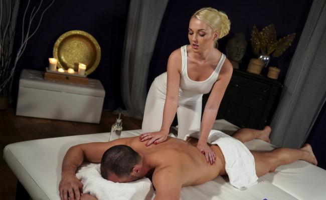 Lovita Fate - Oiled firm young blonde masseuse (2021 MassageRooms.com SexyHub.com) [FullHD   1080p  1.04 Gb]