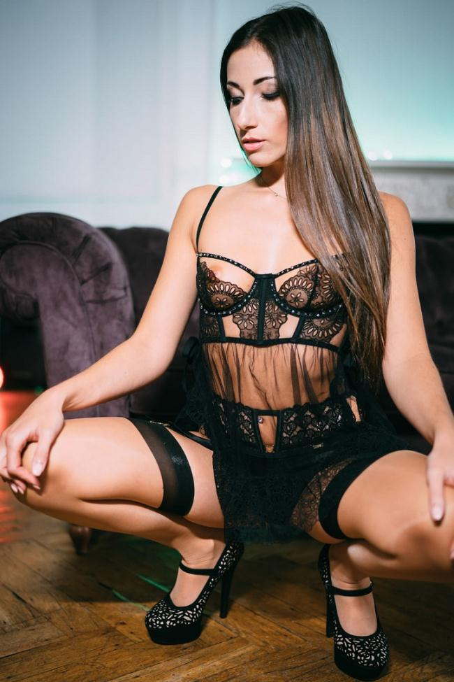 Pornostatic.com KillerGram.com: She Loves to Please Starring: Clea Gaultier