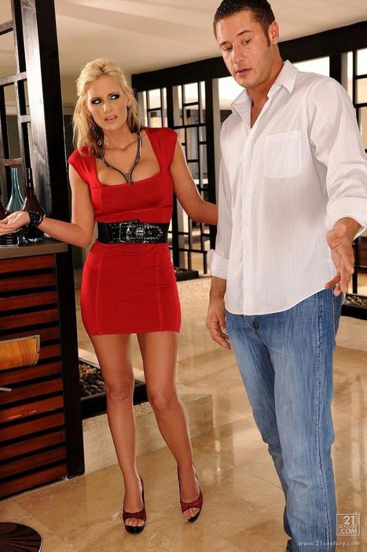 Phoenix Marie - Phoenix Likes Anal (2021 CheatingWhoreWives.com   21Sextury.com) [FullHD   1080p  1.92 Gb]