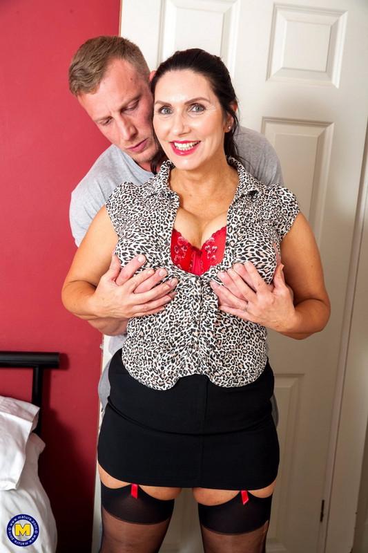 Josephine James - British big breasted Temptress having a date night (2021 Mature.nl Mature.eu) [FullHD   1080p  1.45 Gb]